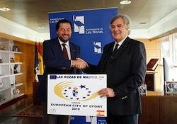 Gian Francesco Lupatelli (ACES) con el alcalde